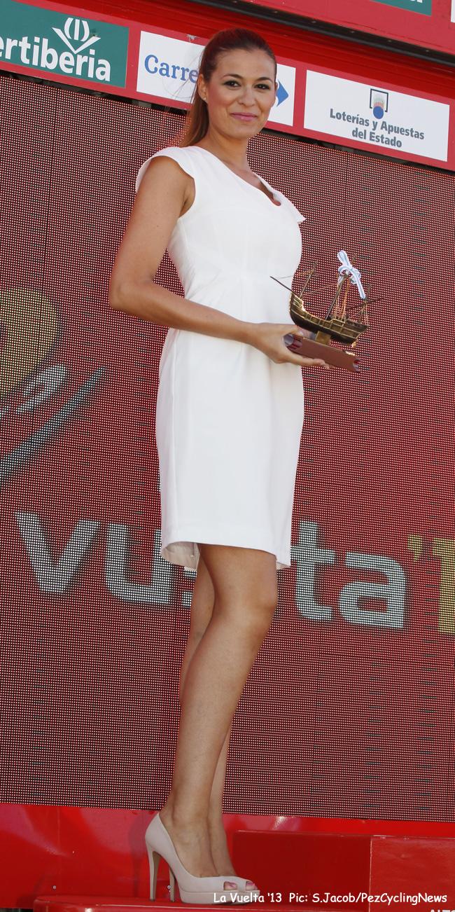 vuelta13-podiumgirl