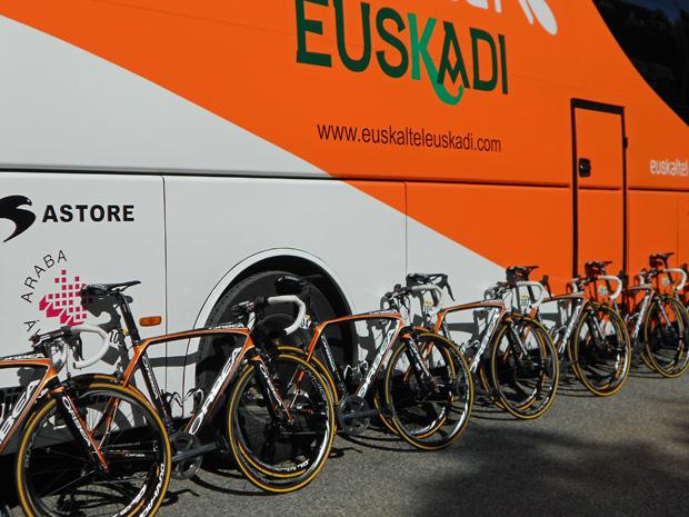 bus-bikes