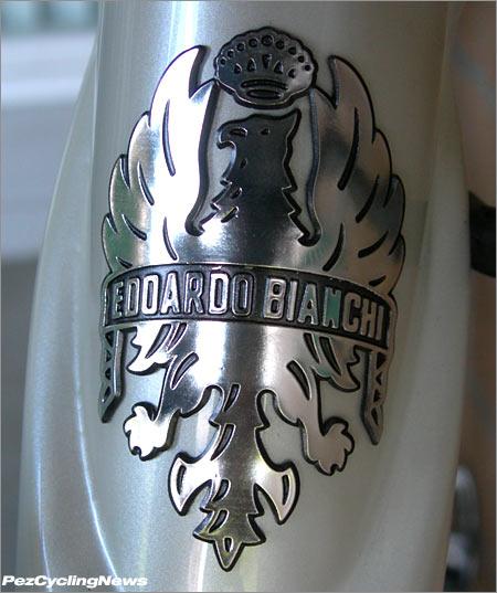 928-badge