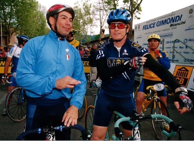 Davide Cassani e Giovanni Bruno al via della GF Gimondi 2000