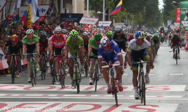 vuelta14st8-sprint-432