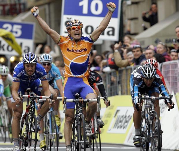 Photo: The last winner on the Via Roma, Oscar Freire in 2007.