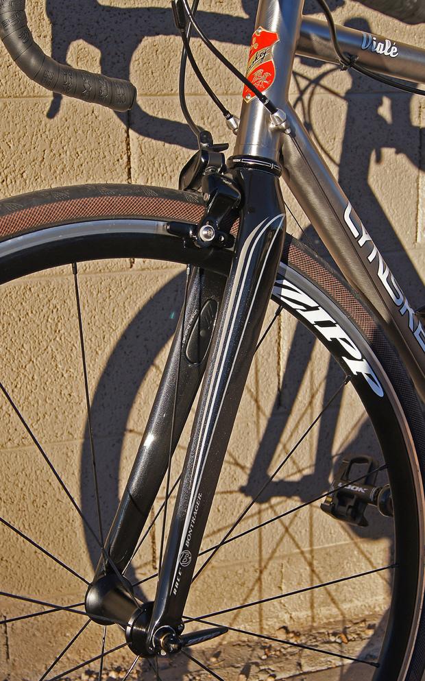 35a6ccbf8a1 lynskeys vial light touring review pezcycling news lynskey road bike 15  lynskey viale 13