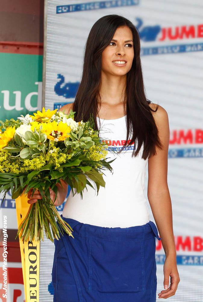 suisse15-girl2-dd