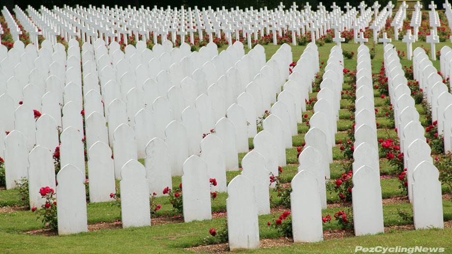 verdun memorial graves