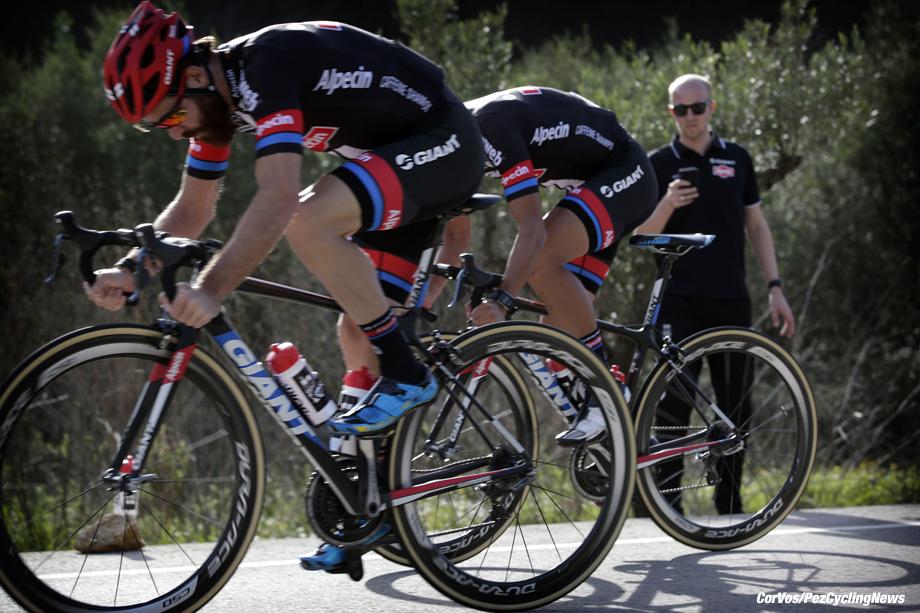 Altea - Sapin - wielrennen - cycling - radsport - cyclisme -  trainer Adriaan Helmantel  - Simon Geschke (Team Giant - Alpecin) pictured during photoshoot Team Giant - Alpecin in Altea, Spain - photo Anton Vos/Cor Vos © 2016