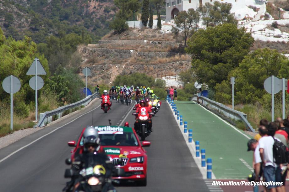 vuelta16st17al-hill-920