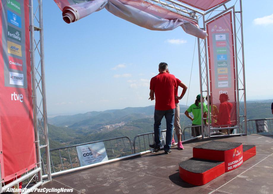 vuelta16st17al-podium-920