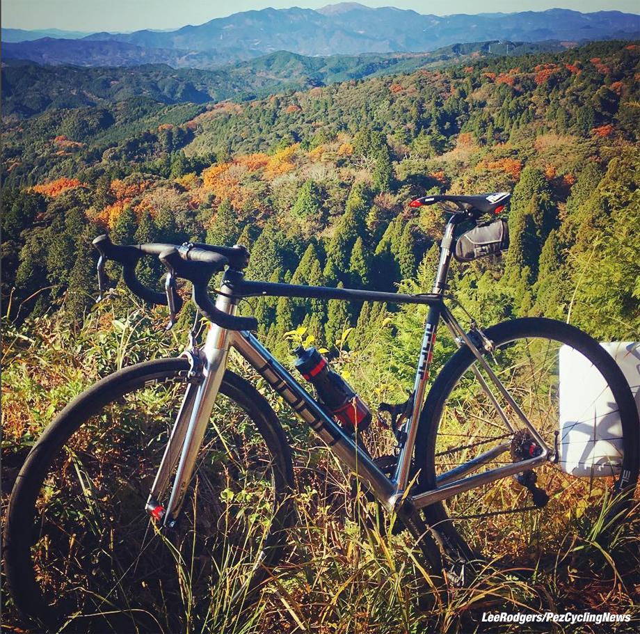 japan16lr-bike-920