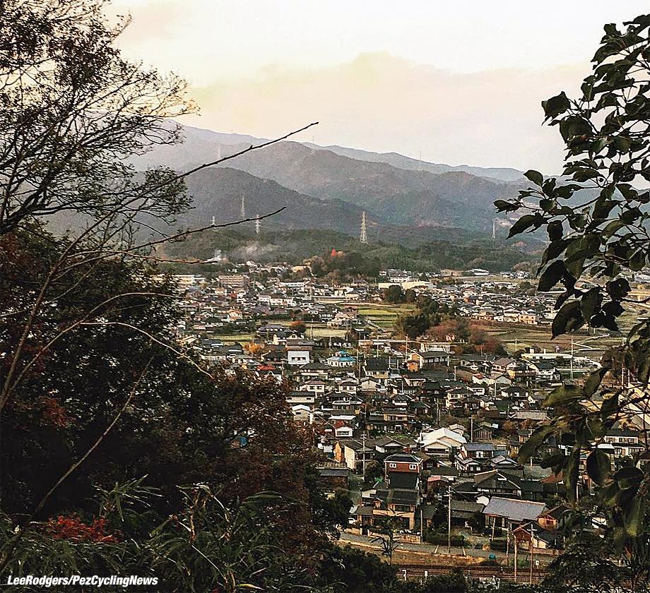 japan16lr-village-920