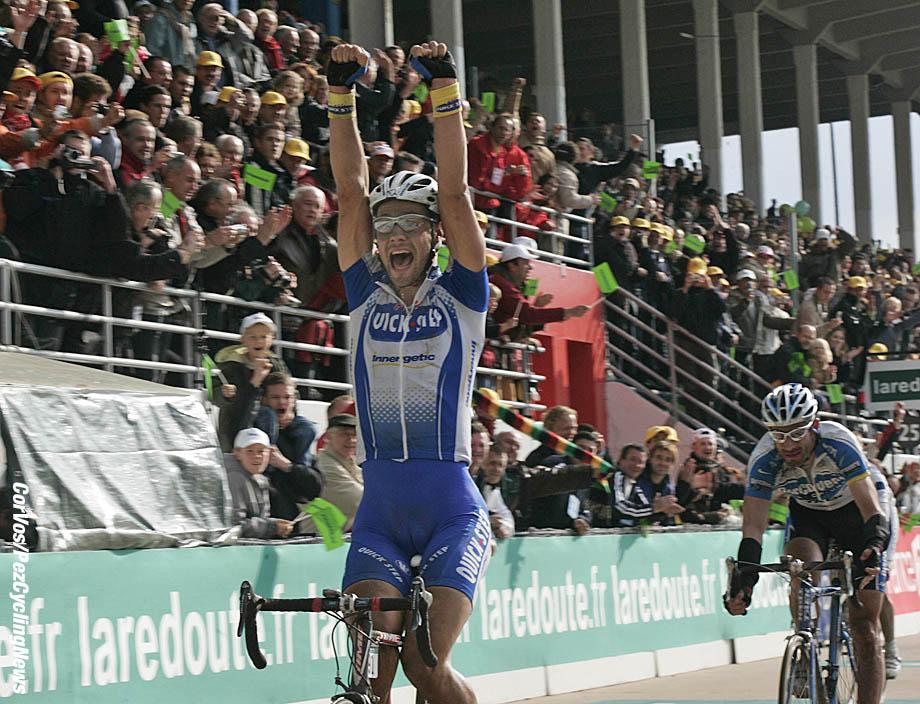 Roubaix-Frankrijk-wielrennen-cycling-cyclisme- Parijs-Roubaix - Paris-Roubaix - Tom Boonen (Quick Step) - Foto Marketa Navratilova/Cor Vos©2005