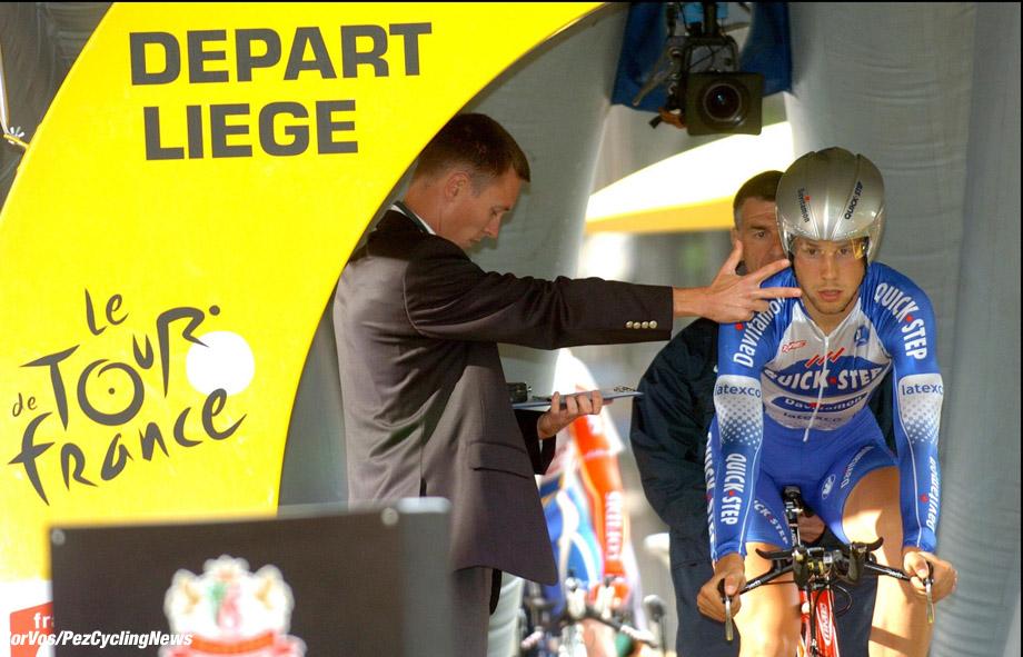 Luik/Liege: Luik-Belgie - Tour de France - TdF - wielrennen - cycling - proloog - start Tom Boonen (Quick Step) - foto Cor Vos ©2004