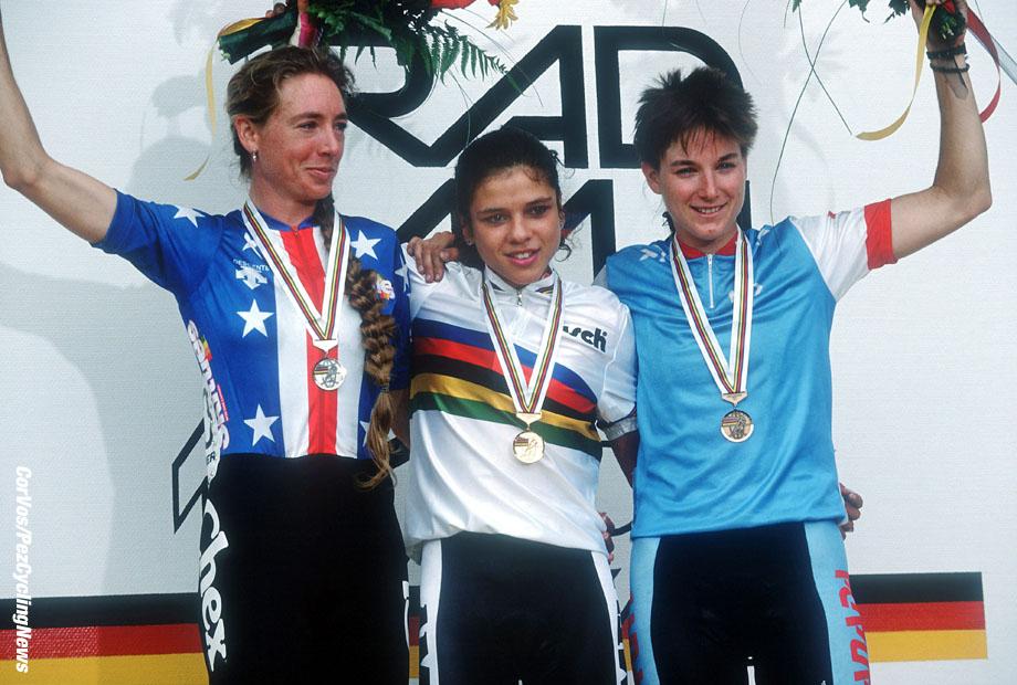 Stuttgart - wielrennen - cycling - cyclisme - radsport - WM - WR - WC - Wereldkampioenschap - World Championships - Route -Road -weg - Inga Thompson - Leontien van Moorsel - Alison Sydor - dames   - foto Cor Vos ©1991