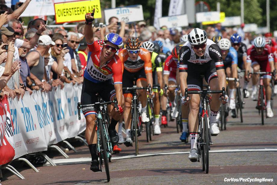 Hoogerheide - Netherlands - wielrennen - cycling - radsport - cyclisme -  Dylan GROENEWEGEN (Netherlands / Team Lotto NL - Jumbo) - Max WALSCHEID (Germany / Team Sunweb) - Coen VERMELTFOORT (Netherlands / Team Roompot Nederlandse Loterij)  pictured during Stage - 2 of the Ster ZLM Tour 2017 - Tholen - Hoogerheide - photo Dion Kerckhoffs/Cor Vos © 2017