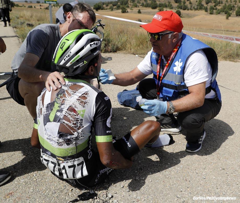 Xorret de Cati - Spain - wielrennen - cycling - cyclisme - radsport - crash Merhawi KUDUS GHEBREMEDHIN (Eritrea / Team Dimension Data) pictured during La Vuelta ciclista a Espana 2017 (2.UWT) stage 8 from Hellín - Xorret de Cati (199,5 km) - photo Luis Gomez/Cor Vos © 2017