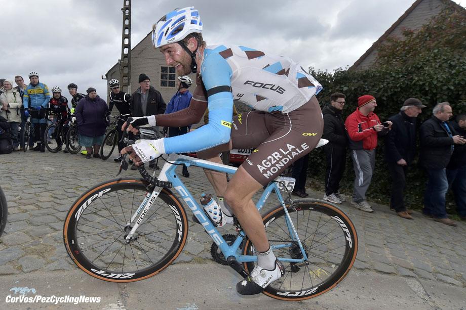 Waregem - Belgium - wielrennen - cycling - radsport - cyclisme -  Hugo Houle (Canada / Team AG2R La Mondiale) pictured during 71e Dwars door Vlaanderen Men Elite - photo PdV/PN/Cor Vos © 2016