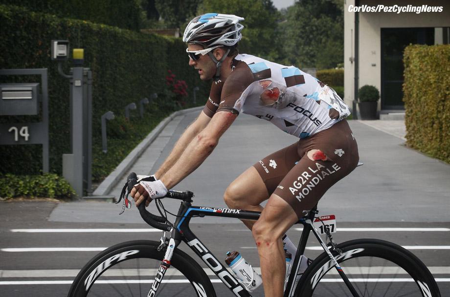 Ardooie - Belgium - wielrennen - cycling - radsport - cyclisme -  injured Hugo Houle (Team AG2R La Mondiale - Focus)  pictured during  Stage - 3 ENECO Tour 2015 from  Beveren to Ardooie, Belgium - photo Davy Rietbergen/Cor Vos © 2015