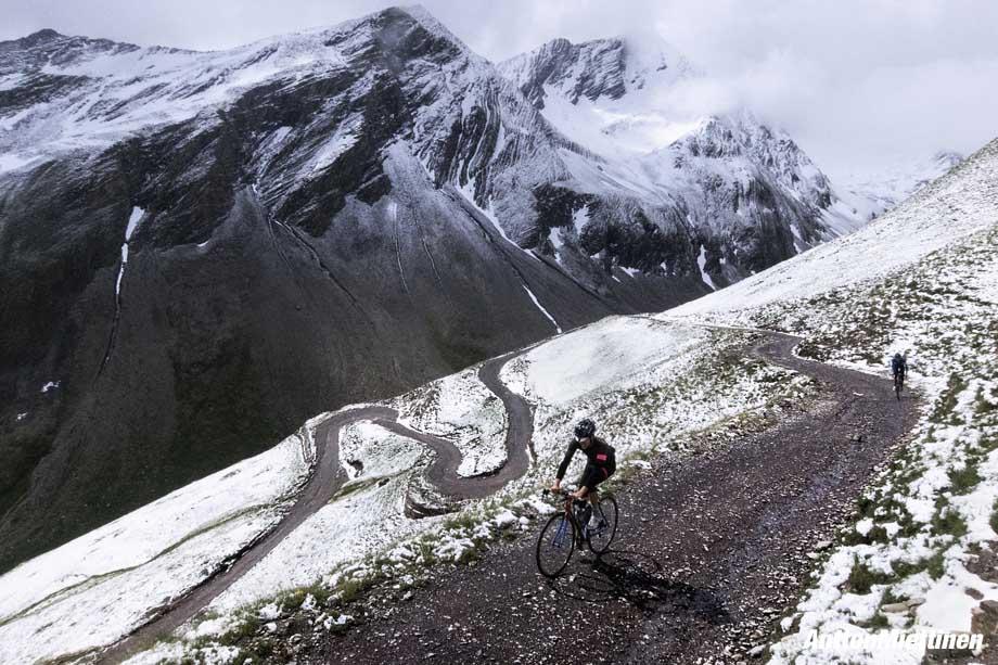 snow-climb-antton-miettinen-920