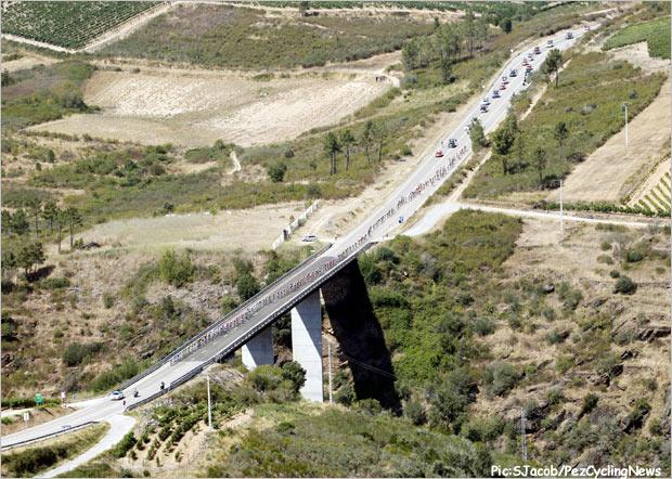 vuelta13st05-bridge
