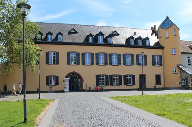 Schloss-Ardeck