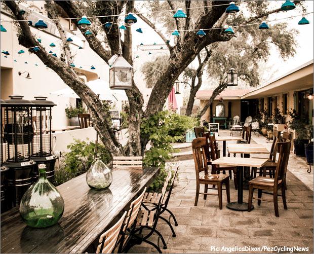 bespoke14-courtyard620