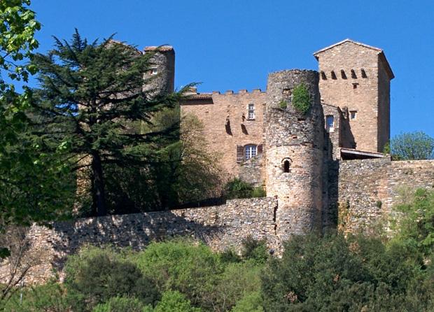pezenes_les_mines_chateau