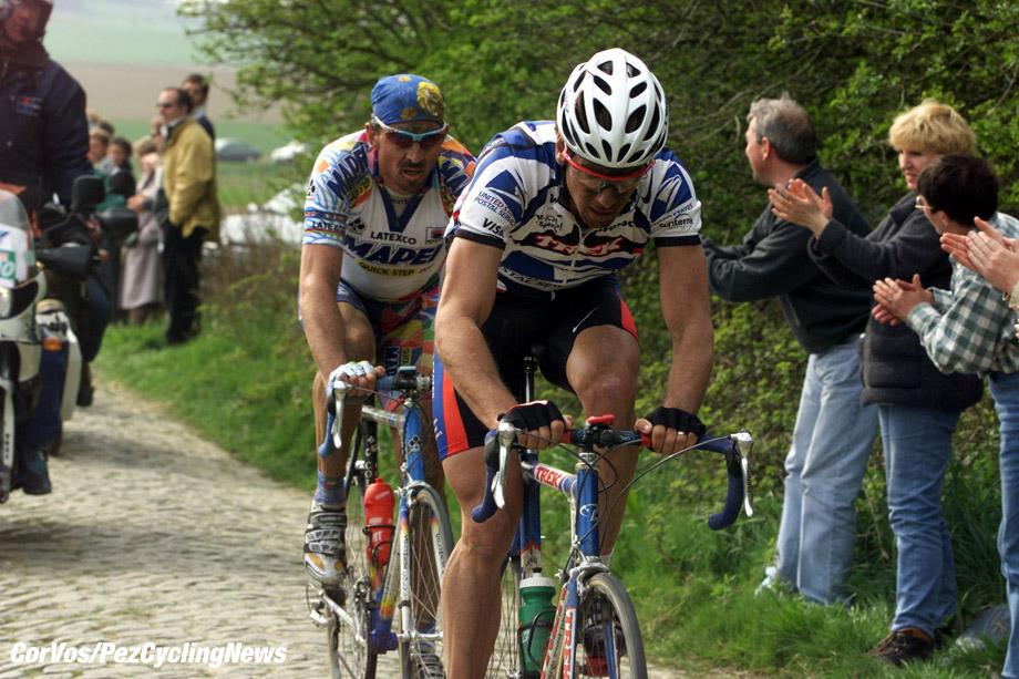 Parijs-Roubaix, foto Cor Vos ©2000 Andreu en Museeuw