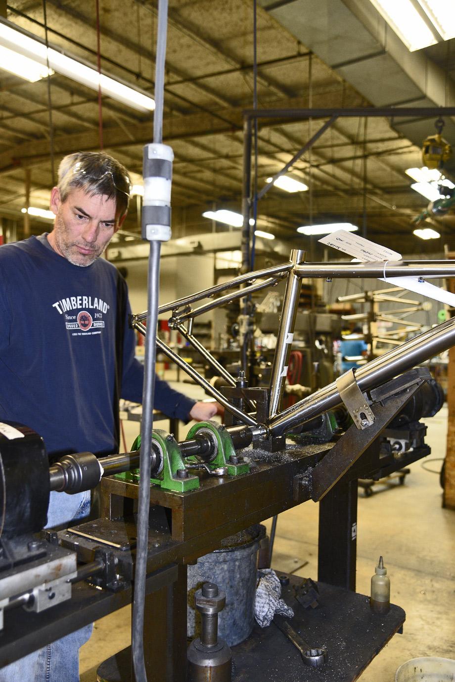 15-11-lynskey-factory