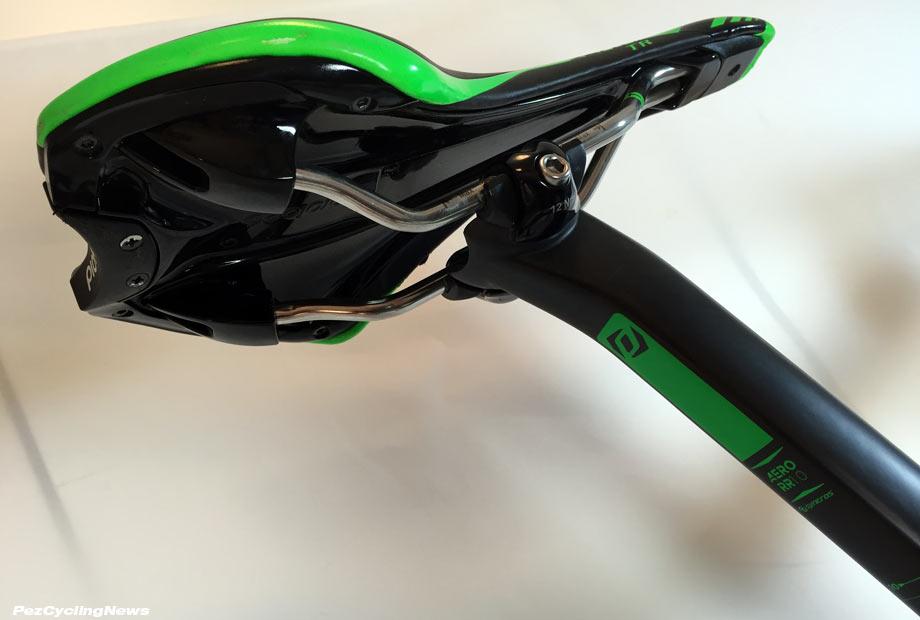 foil16-saddle