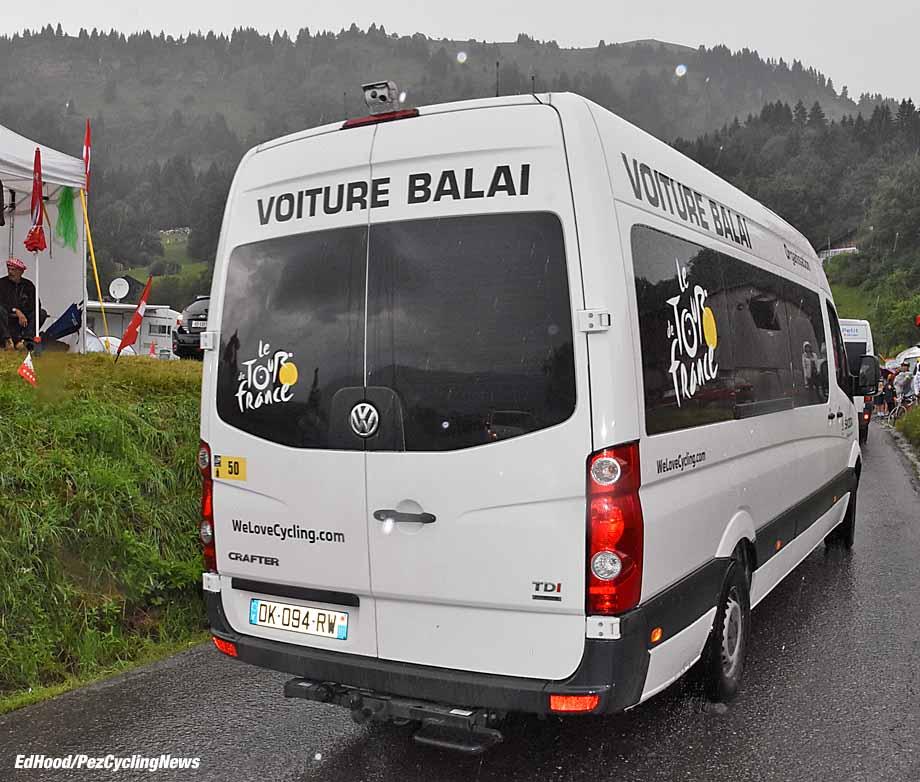 tdf16st20eh-voiture-balai-920