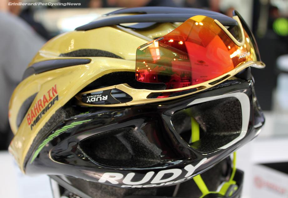 2de34158c1 eurobike16-rudyproject-race-master-garage-eyewear-dock