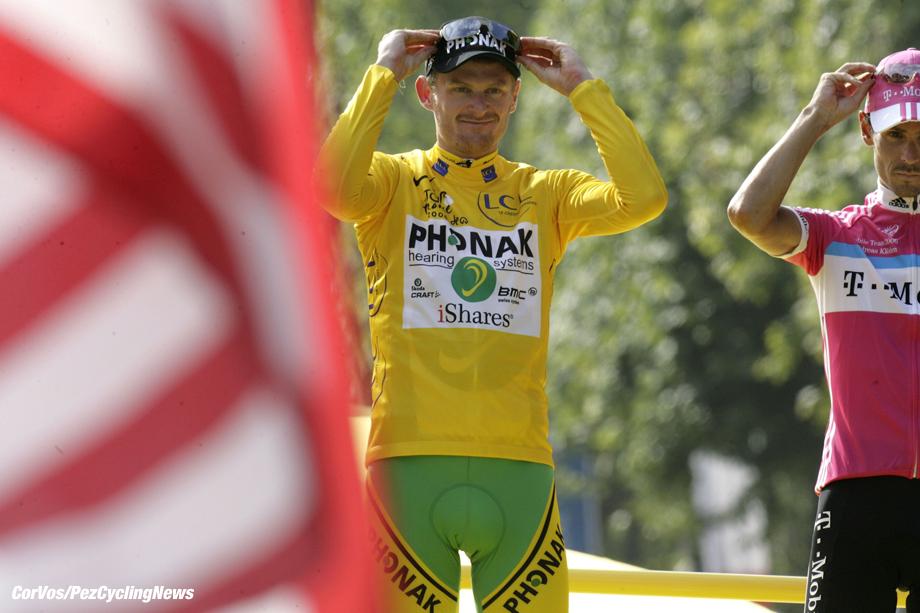 Parijs - Paris - Frankrijk - wielrennen - cycling - cyclisme - Tour de France - 20e etappe - Antony-Parijs - Champs Elysees - Floyd Landis (Phonak)  - foto Cor Vos ©2006
