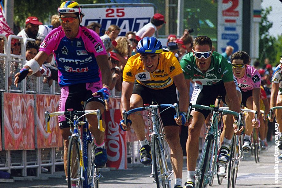 Hoogvliet - wielrennen - cycling - radsport - cyclisme - archief - archive - stock - Tour de France 1993 - Les Sables d'Olonne-Vannes - 227.5 km Wilfried Nelissen - Abdoujaparov - Cipollini - foto Cor Vos ©2008