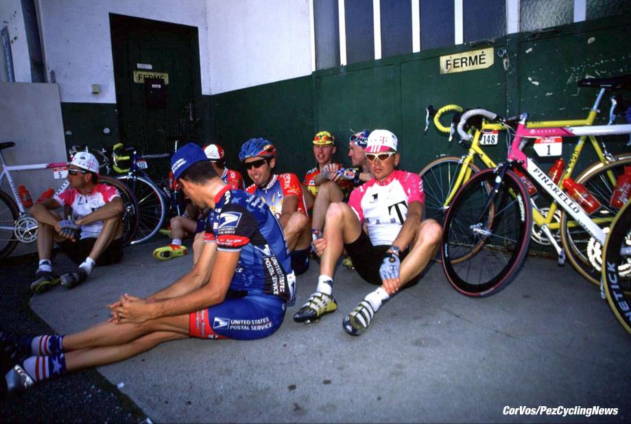 Strike of riders on 17th stage.  foto Marketa Navratilova/Cor Vos 1998 TdF