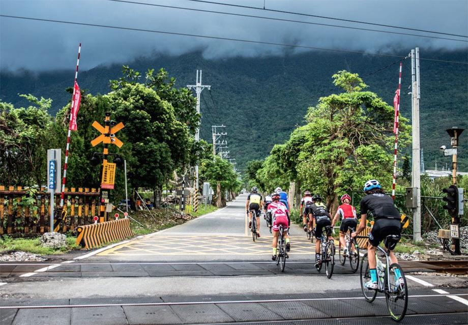 taiwan-crossing-920
