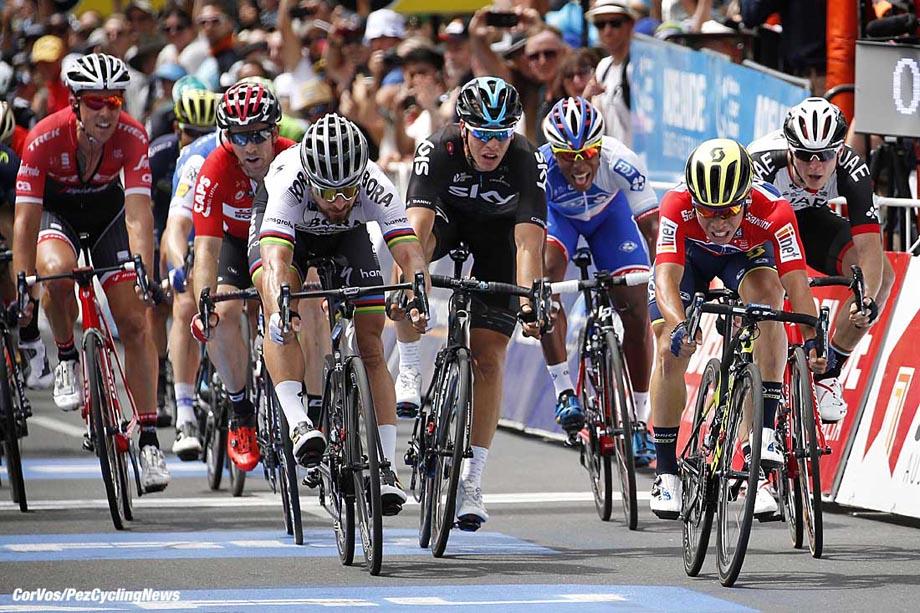 Adelaide - Australia - wielrennen - cycling - radsport - cyclisme - Peter SAGAN (Slowakei / Team Bora - Hansgrohe) - Danny VAN POPPEL (Netherlands / Team Sky) - Caleb EWAN (Australia / Team Orica Scott) - Marko KUMP (Slowenia / Team Abu Dhabi) pictured during the Santos Tour Down Under 2017 - Be Safe Be Seen MAC Stage 6 - in Adelaide, Australia on jan 21 - photo Dion Kerckhoffs/Cor Vos © 2017