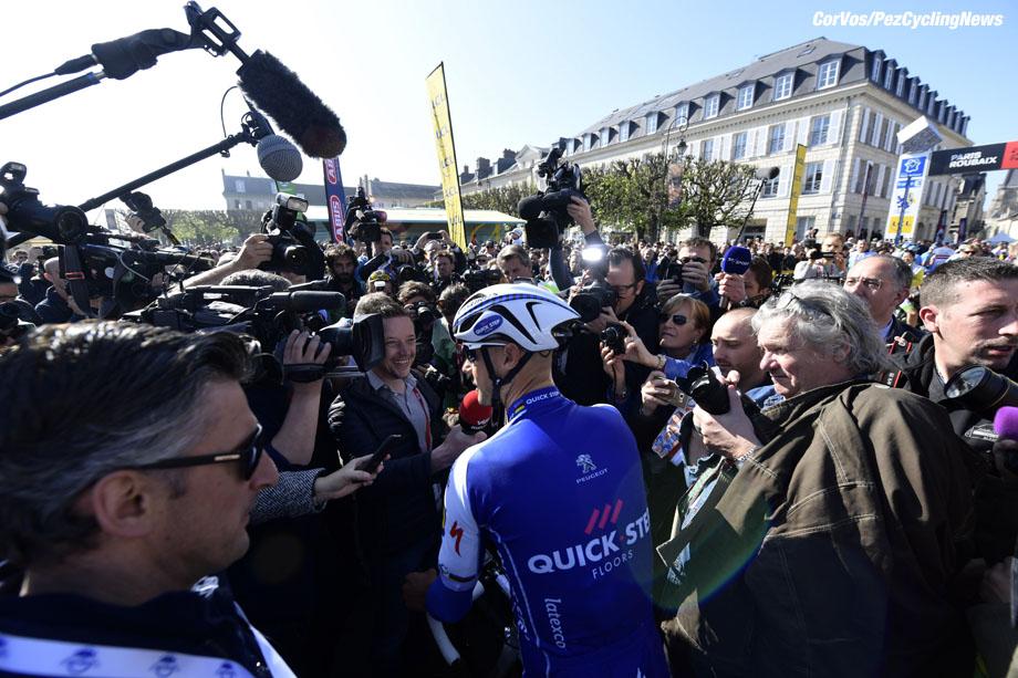 Roubaix - France  - wielrennen - cycling - cyclisme - radsport -  Tom BOONEN (Belgium / Team Quick Step - Floors)  sfeer - illustratie Pioneer Powermeter  pictured during the 115th Paris-Roubaix (1.UWT) - foto NV/PN/Cor Vos © 017