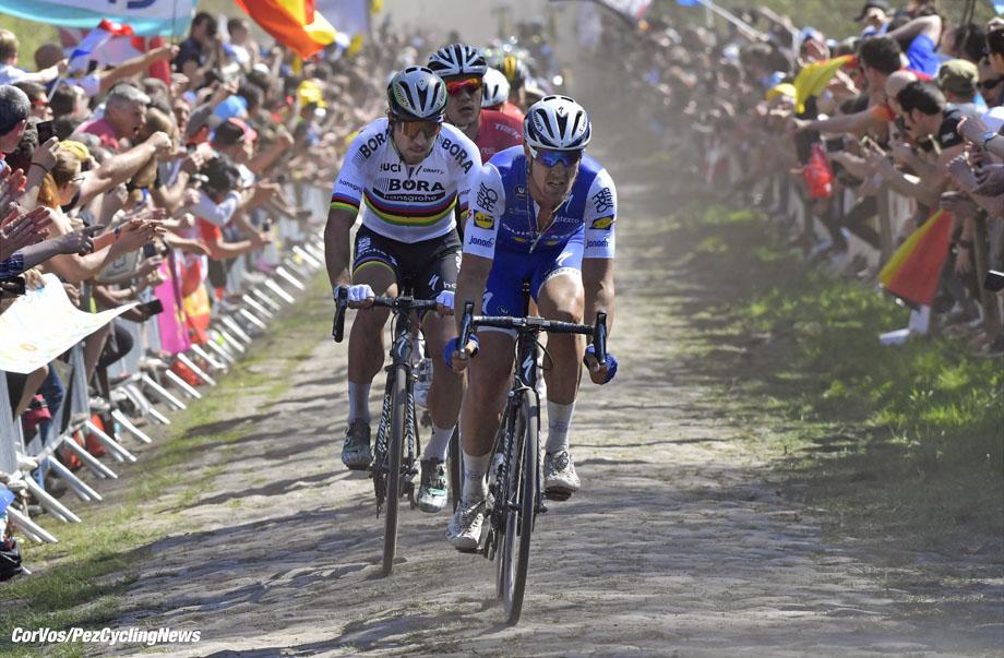 Roubaix - France  - wielrennen - cycling - cyclisme - radsport -  Matteo TRENTIN (Italy / Team Quick Step - Floors) - Peter SAGAN (Slowakia / Team Bora - Hansgrohe) pictured during the 115th Paris-Roubaix (1.UWT) - foto NV/PN/Cor Vos © 017