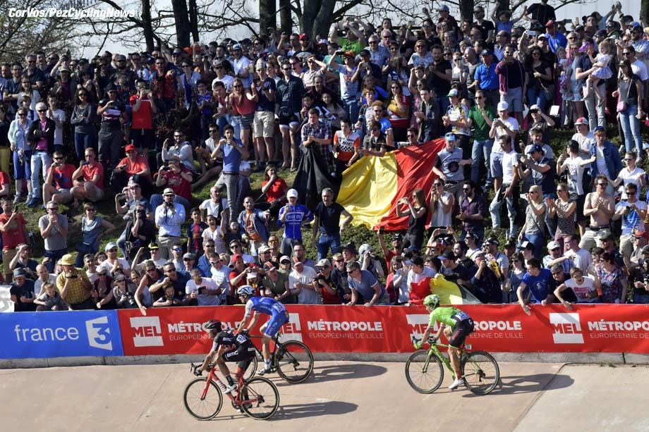 Roubaix - France  - wielrennen - cycling - cyclisme - radsport -   Greg VAN AVERMAET (Belgium / BMC Racing Team) - Zdenek STYBAR (Czech / Team Quick Step - Floors) - Sebastian LANGEVELD (Netherlands / Cannondale Drapac Professsional Cycling Team) pictured during the 115th Paris-Roubaix (1.UWT) - foto NV/PN/Cor Vos © 017