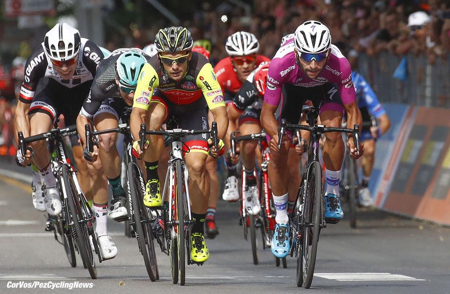 Reggio Emilia - Italia - wielrennen - cycling - radsport - cyclisme - Fernando Gaviria (COL - QuickStep - Floors) - Jakub Mareczko (ITA - Wilier Selle Italia) - Sam BENNETT (Irland / Team Bora - Hansgrohe) - Phil BAUHAUS (Germany / Team Sunweb) - Jasper STUYVEN (Belgium / Team Trek Segafredo) pictured during team stage 12 of the Giro D'Italia 2017  from Forlì to Reggio Emilia, 237.00 km -  photo LB/RB//Cor Vos © 2017
