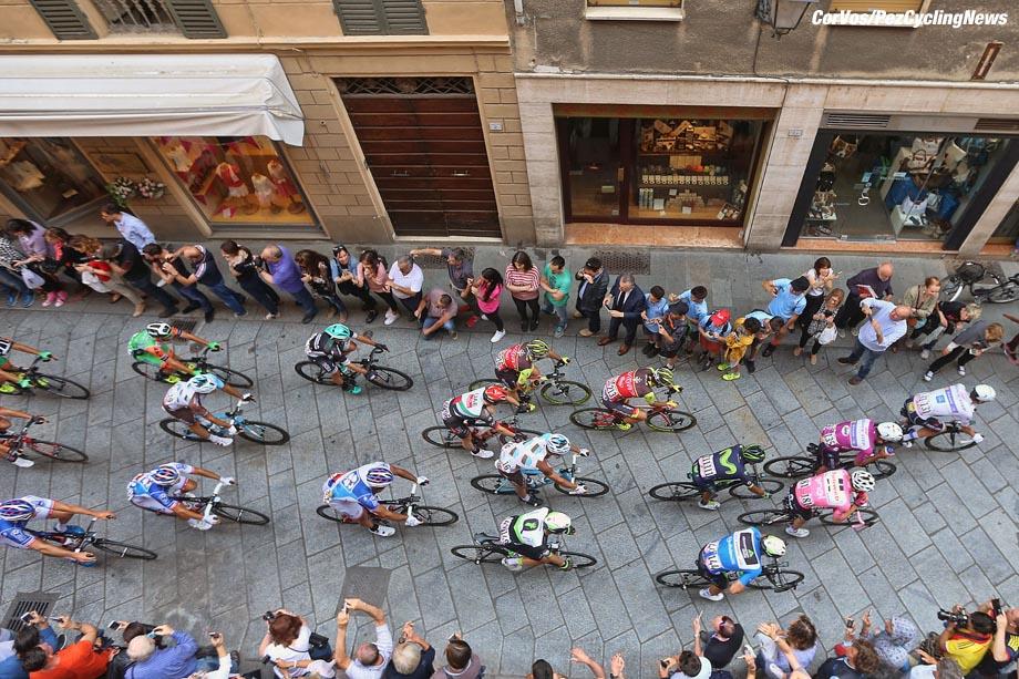 Tortona - Italia - wielrennen - cycling - radsport - cyclisme - illustration - sfeer - illustratie Tom DUMOULIN (Netherlands / Team Sunweb) pictured during team stage 13 of the Giro D'Italia 2017  from Reggio Emilia to Tortona, 162.00 km -  photo LB/RB/Cor Vos © 2017