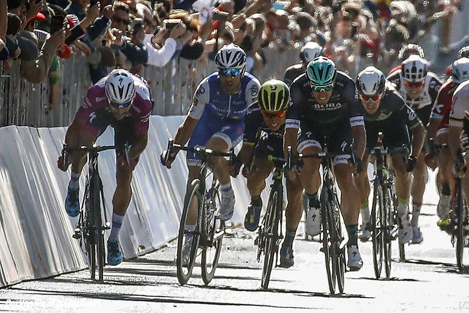 Tortona - Italia - wielrennen - cycling - radsport - cyclisme - Fernando Gaviria (COL - QuickStep - Floors) - Maximiliano Richeze (ARG - QuickStep - Floors) - Caleb Ewan (AUS - ORICA - Scott) - Sam BENNETT (Irland / Team Bora - Hansgrohe)  pictured during team stage 13 of the Giro D'Italia 2017  from Reggio Emilia to Tortona, 162.00 km -  photo LB/RB/Cor Vos © 2017