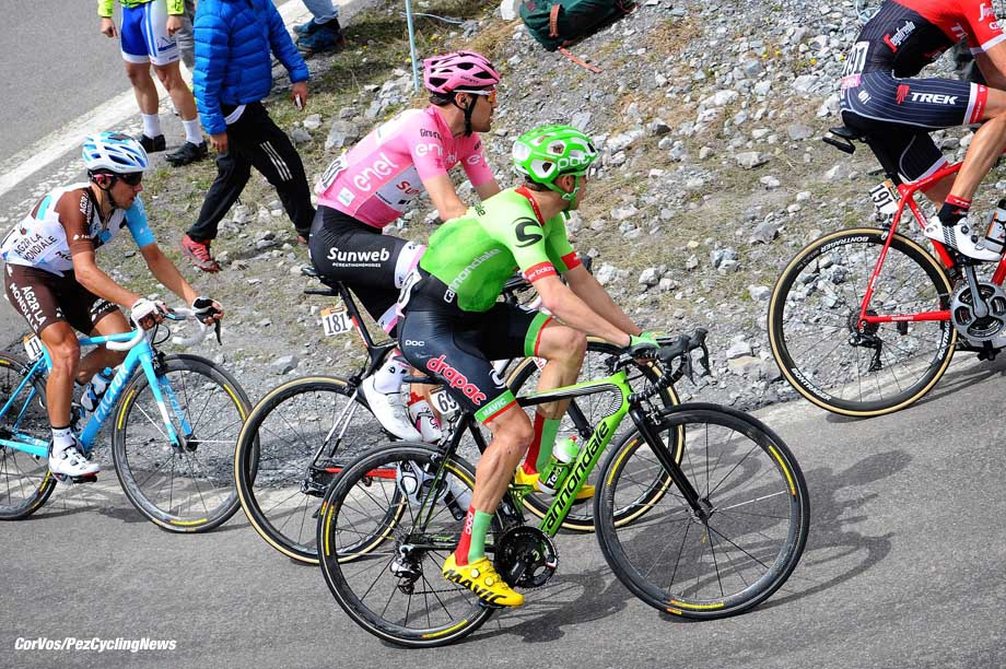 Bormio - Italia - wielrennen - cycling - radsport - cyclisme - Michael WOODS (Canada / Cannondale Drapac Professsional Cycling Team) - Tom DUMOULIN (Netherlands / Team Sunweb) pictured during team stage 16 of the Giro D'Italia 2017 from Rovetta to Bormio, 227.00 km - photo Miwa iijima/Cor Vos © 2017