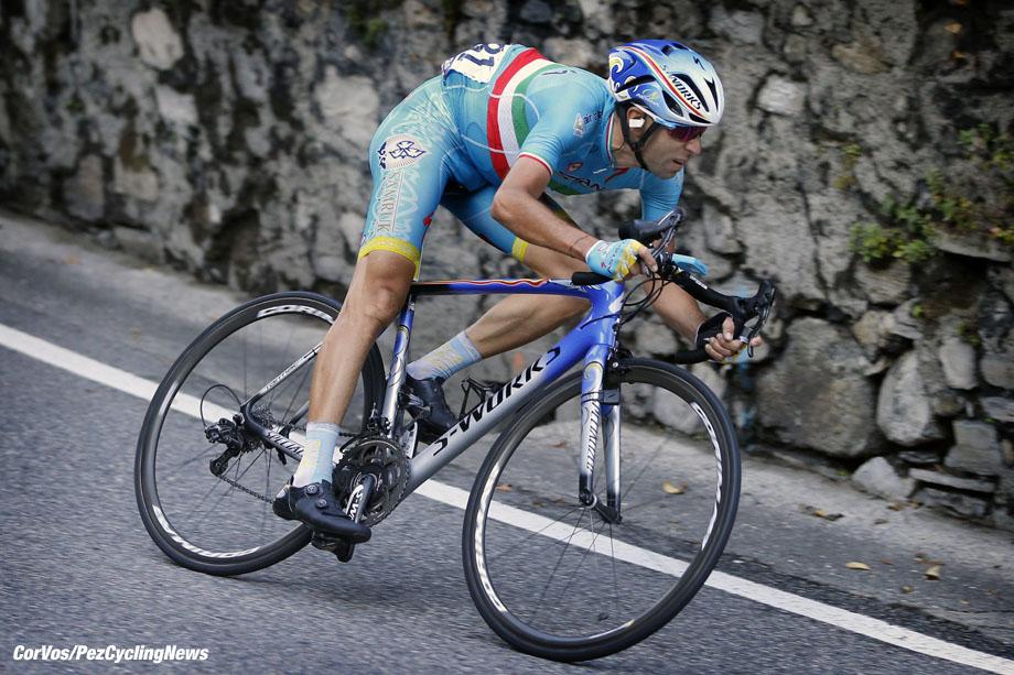Como - Italia - wielrennen - cycling - radsport - cyclisme - Vincenzo Nibali (Astana) pictured during Giro Il Lombardia 2015 - Bergamo - Como 245 km - 04-10-2015 - photo LB/RB/Cor Vos © 2015
