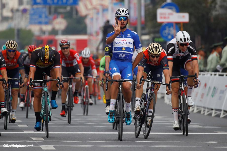 Tour of Guangxi 2017 - 1st Edition - 6th stage Guilin - Guilin 168,1 km - 24/10/2017 - Fernando Gaviria (COL - QuickStep - Floors) - Niccolo Bonifazio (ITA - Bahrain - Merida) - photo Luca Bettini/BettiniPhoto©2017