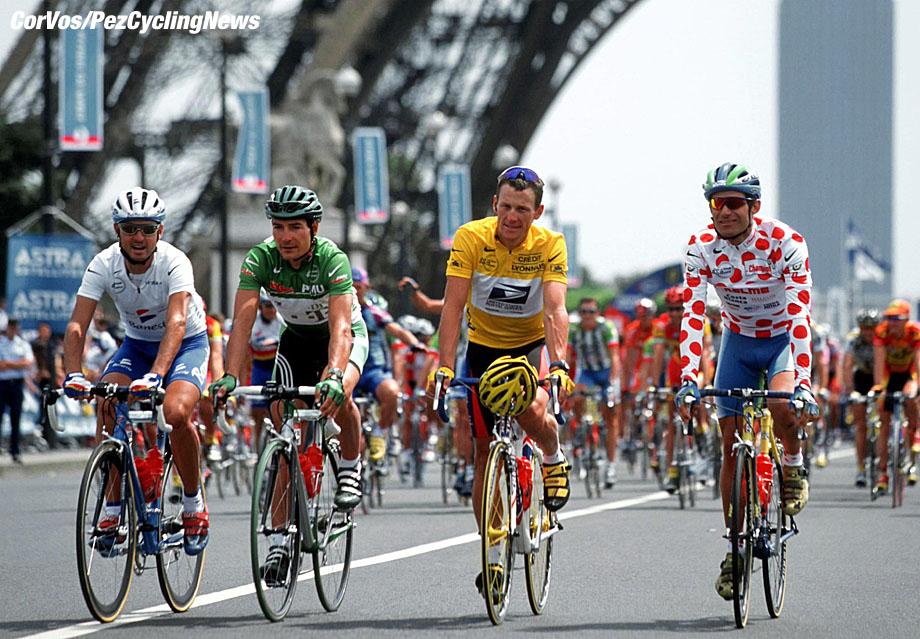 Tour de France, Parijs-etappe 21-foto Cor Vos ©2000 Francesco Mancebo, Erik Zabel, Lance Armstrong en Santiago Botero.