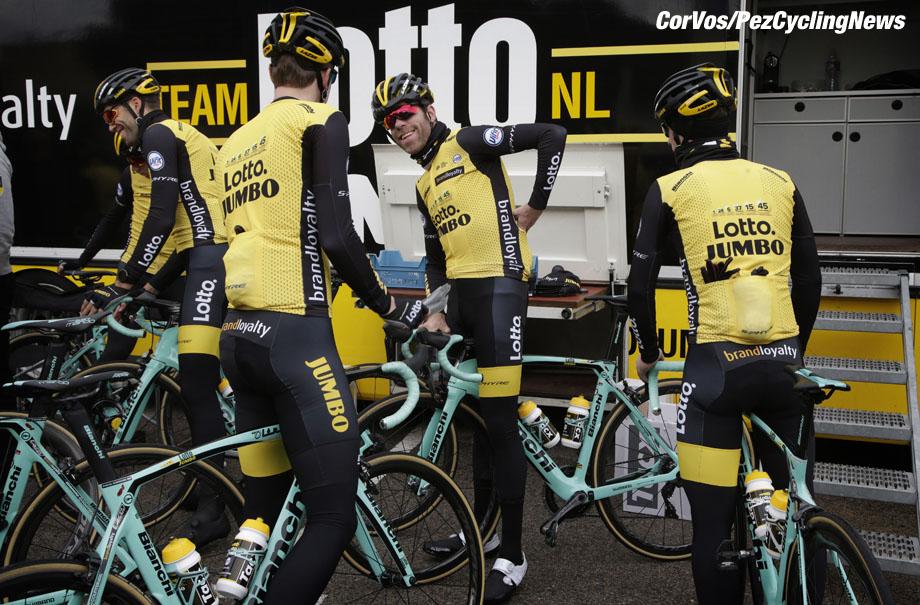 Sant Feliu de Guixois  - wielrennen - cycling - cyclisme - radsport - Bram Tankink (Netherlands / Team Lotto NL - Jumbo) pictured during trainingscamp Team LottoNL-Jumbo in Spain on december 21-2017 - foto: Carla Vos/Cor Vos © 2017
