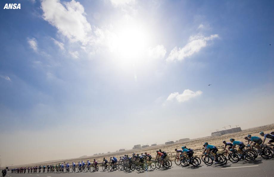 Peloton ride during The Nakheel stage, the First stage of the Dubai Tour 2017, 181 km from Dubai International Marine Club to Palm Jumeirah. Dubai, 31 January 2017. ANSA/CLAUDIO PERI
