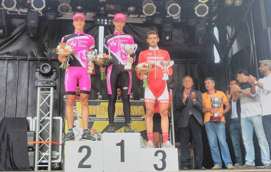 jary-navara-prise-podium-920