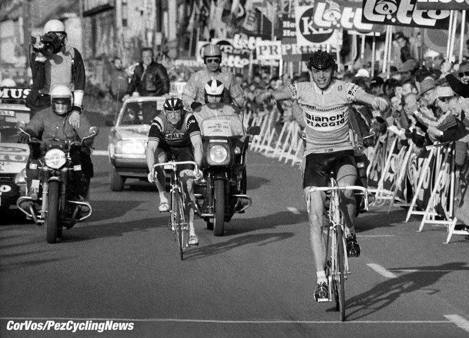 Hoogvliet - Nederland  - wielrennen - cycling - radsport - cyclisme - stock - archief - archive - illustration - Fons de Wolf (Team Bianchi) - Jan Raas (TI-Raleigh) - Omloop Het Volk 1983  - photo Cor Vos © 2015